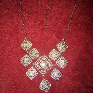 Jewelry - A victorian style fashion jewel necklace